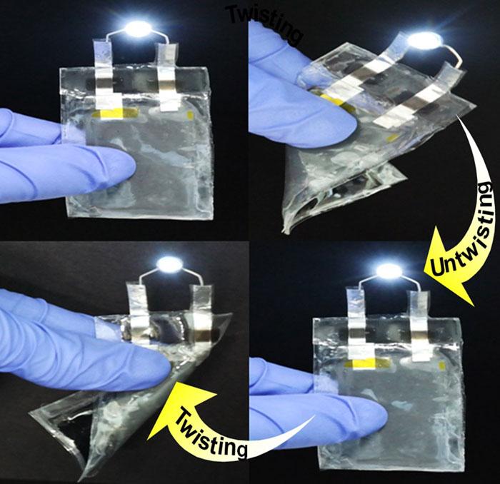 Researchers develop flexible paper lithium-ion batteries ...