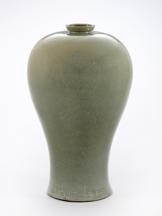 Image of the celadon maebyeong incised that contained honey when discovered.