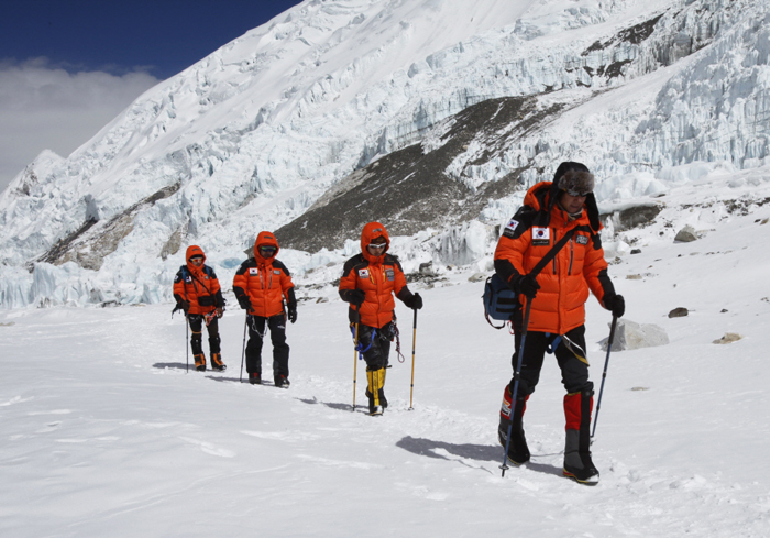 130614_Korea_mountaineer3.jpg