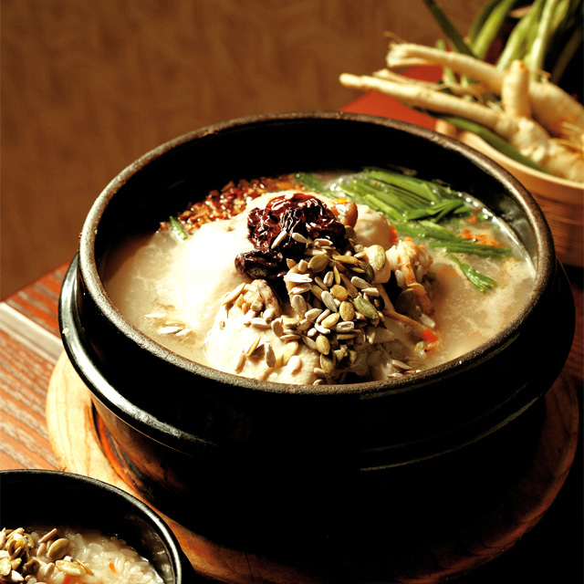 Namhansanseong dakjuk is a boiled chicken served with chapsal juk (photo courtesy of the KTO)