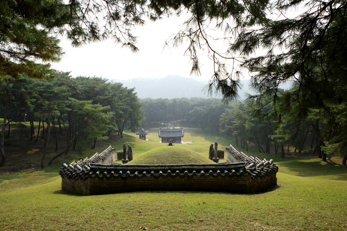 Sareung is the resting place of Queen Jeongsun, wife of King Danjong.