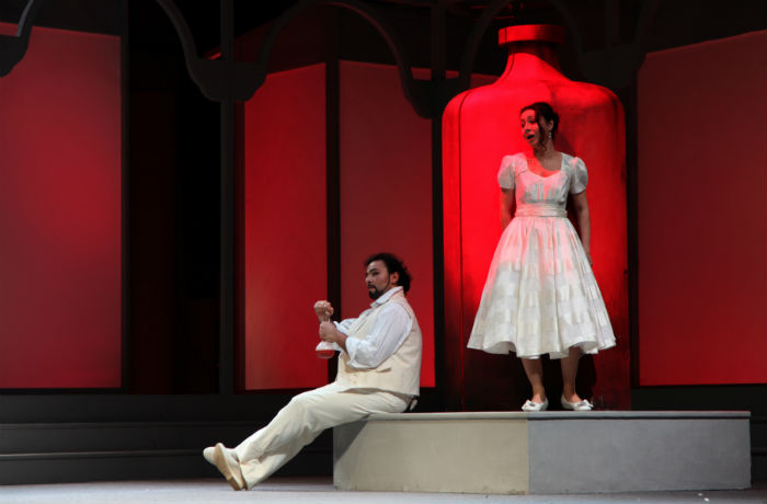 """In celebration of the 130th anniversary of friendship between Korea and Italy, opera companies from the two nations are co-producing """"The Elixir of Love,"""" which will be on stage at the Seoul Arts Center from April 3 to 5."""