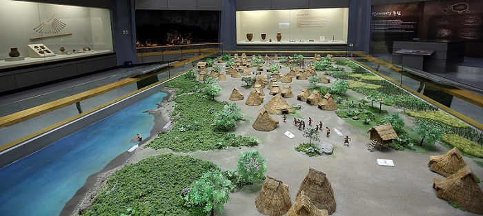 A wide variety of ancient Jeju artifacts, from the Stone Age through to modern times, are on display at the Jeju National Museum.