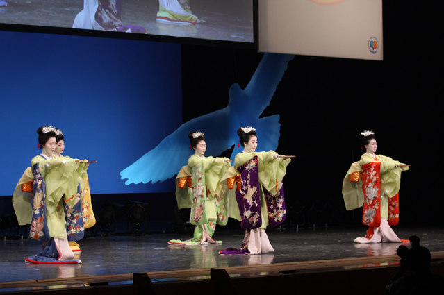 Japanese dance troupe Kikunokai performs during the opening ceremony on September 28 (photo: Korea Culture and Information Service).