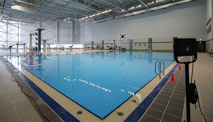 The swimming center includes both a diving pool and a separate pool for both water polo and synchronized swimming.