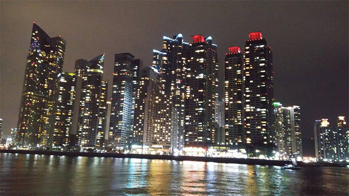 The Bay 101 at Haewoondae is beautiful at night. I was on a boat, so the photo is a bit blurry.