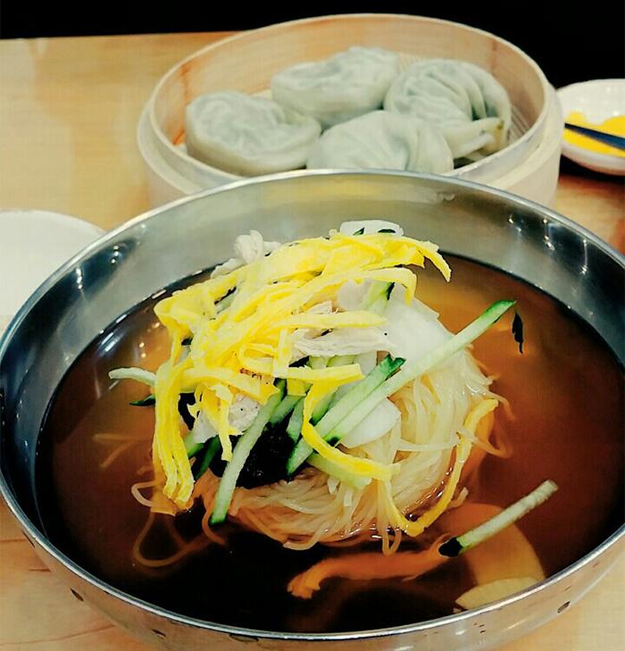 <i>Milmyon</i> with dumplings is a Busan specialty.