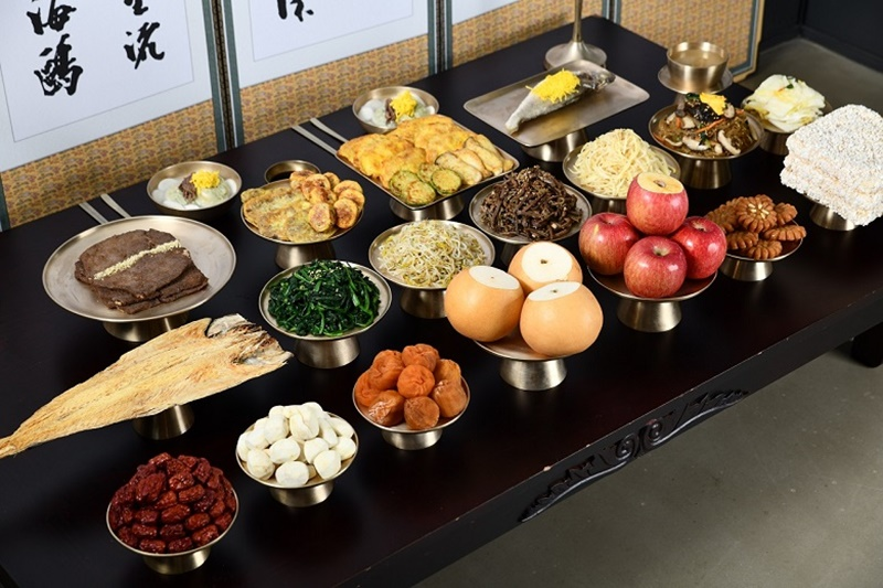 Ancestral Rite Tables For Seollal Retain Sincerity Despite