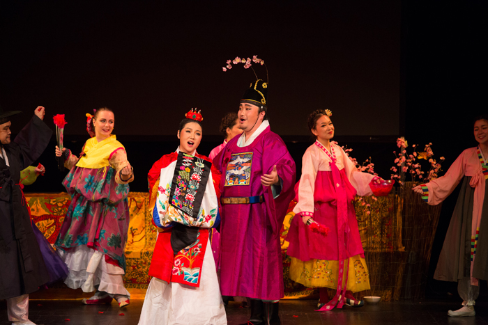 A scene from the opera Chunhyang is performed on the opening day of the Donau Park Korea Festival in Vienna on June 26. (photo courtesy of Korean Embassy in Austria)