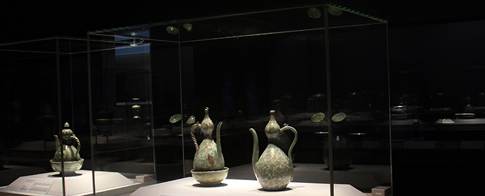 The National Museum of Korea recently reopened its celadon gallery with improved display facilities. (Photo: Yoon Sojung)