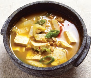 Food korea the official website of the republic of korea idoenjang jjigaei soybean paste stew this forumfinder Images