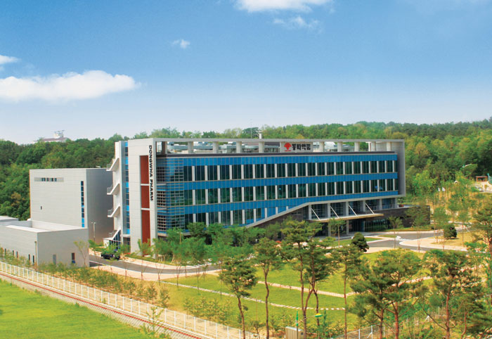 Dong Wha Pharm's research institute is located in Yongin, Gyeonggi Province.