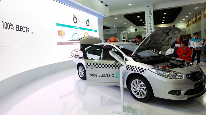 Manufactured by Renault Samsung, SM3 ZE taxis were introduced on Jeju Island. (courtesy of the International Electric Vehicle EXPO)