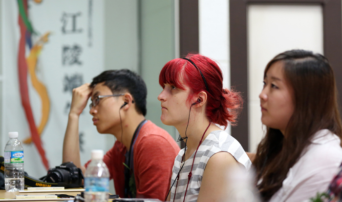 Visitors listen to a lecture about the Gangneung Danoje Festival given by Director Sim O-Seob of the Gangneung Danoje Festival Preservation Society, at the Gangneung Dano Culture Center in Gangneung, Gangwon-do, on June 1. (photo: Jeon Han)