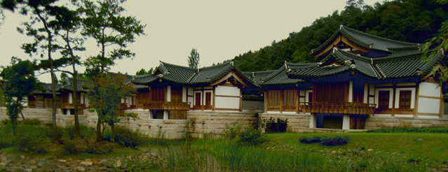 During a Hanok stay, visitors closely experience Korean lifestyle and culture.