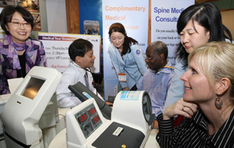 A foreign patient getting a check-up as part of medical tourism (Photo: Yonhap News)