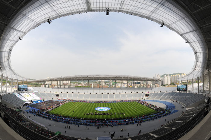 Incheon Asiad Main Stadium (photo courtesy of the Incheon Asian Games Organizing Committee)