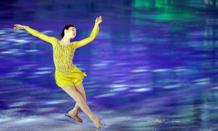 "Kim Yuna dances to ""Send in the Clowns,"" the short program from her 2014 Sochi Winter Olympics performance, on May 6. (photo: Yonhap News)"
