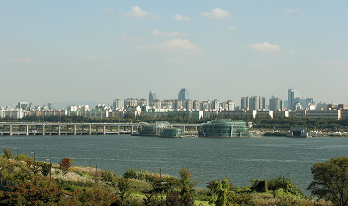 Some Sevit, the name for the three man-made islands floating on the Hangang River, opens on October 15.