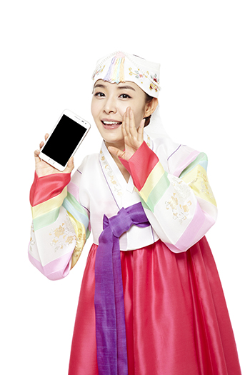 Korea now has over 30 million smartphone users, with recent studies showing that the number of smartphone users is increasing by an average of 10,000 to 15,000 people per day.