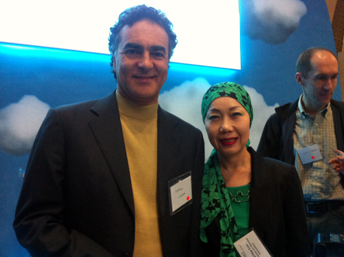 Lee Myung-ok, director of the Korean Art Museum Association, with Nelson Mattos, Google's Vice President of Engineering for the Europe, Middle East and Africa (EMEA) region (photo courtesy of the Korean Art Museum Association)