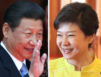 President Park Geun-hye (right) will make a state visit to China on June 27 to hold a summit talk with her Chinese counterpart Xi Jinping (photo: Yonhap News).