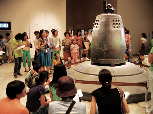 A display at the National Museum of Korea (photo courtesy of the National Museum of Korea).