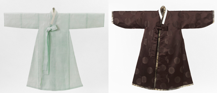 Styles of <i>po</i>: The ramie-made <i>durumagi</i> (left) is the most popular form of <i>po</i> among Joseon-era scholars. The cotton-made <i>gat-durumagi</i> has thick brocade lined with fur and is worn in the winter.