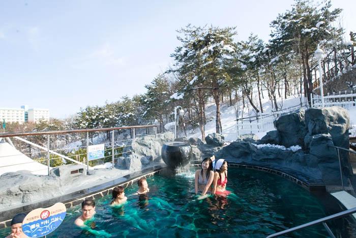 Seorak_Resort_Water_Park_01.jpg