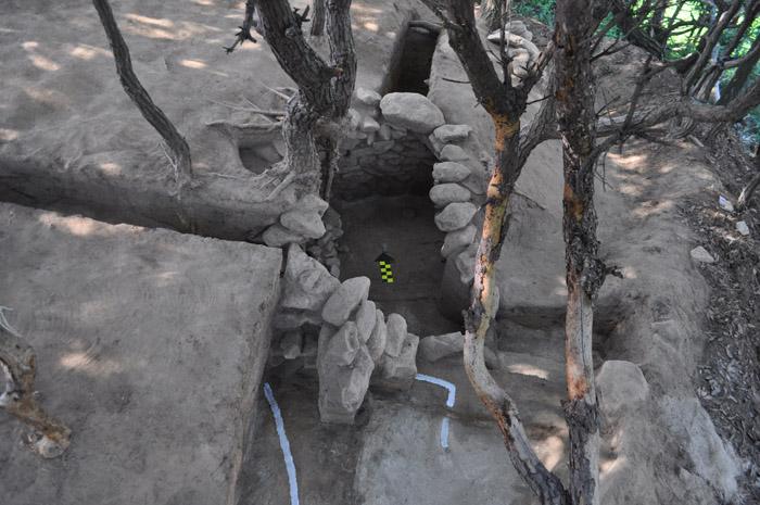 Silla-tomb-140719-1.jpg