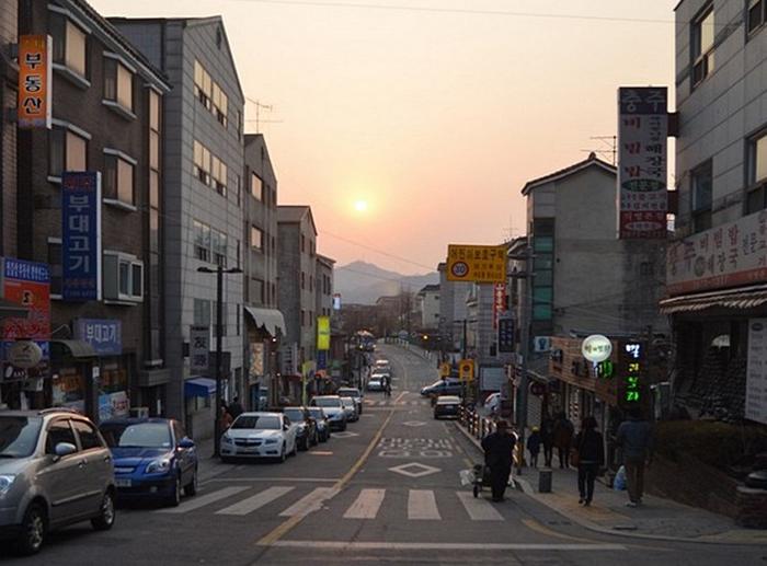 Sunset in Bukchon Hanok Village