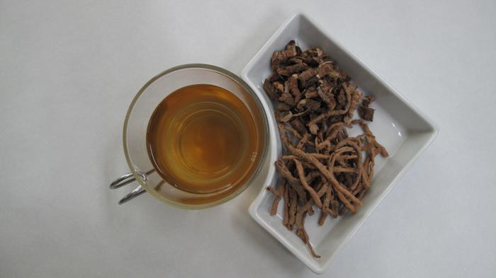 <i>Wonji</i> & <i>seokchangpo</i> tea, and dried <i>seokchangpo</i> and <i>wonji</i> root (image courtesy of the Rural Development Administration)