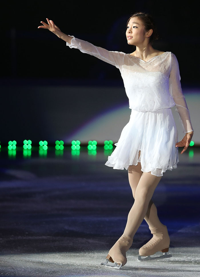 "Kim Yu-na stages her new gala program ""Imagine"" on the ice (photo: Yonhap News)."