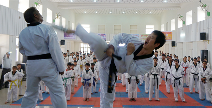 Taekwondo booms all around the world : Korea.net : The ...