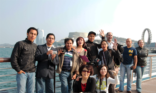 A team of foreign press correspondents from countries including Brunei, Paraguay, India, and Ukraine participated in a seven-day invitational program in mid-April that included a tour of Yeosu