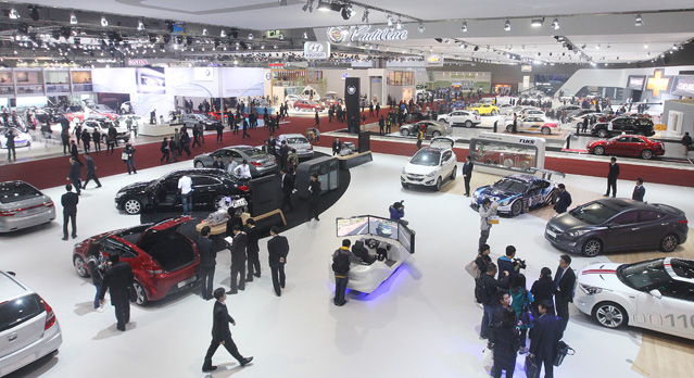 The 2011 Seoul Motor Show was held at Kintex in Goyang, Gyeonggi-do (photo: Yonhap News).