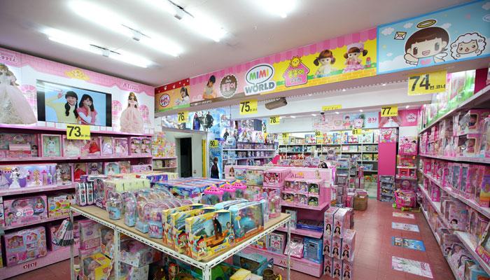 toystreet_seungjin_dolls1.jpg