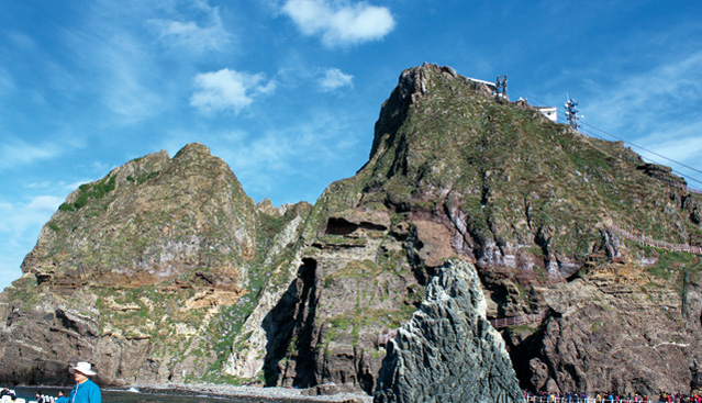 Next year, Dokdo will become home to Korea's third climate change observation center
