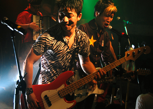 One of Korean indie bands, Crying Nut in Club DGBD, September 12, 2008