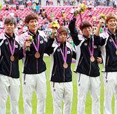 London_Olympics_Korea_football_th.jpg