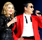 [Video] Psy Performs 'Gangnam Style' and 'Give it 2 Me'...