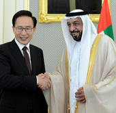 121121_president_lee_uae_th.jpg