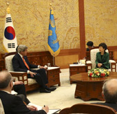 President Park holds meeting with U.S. Secretary