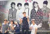 FT Island runs a giant ad truck in Tokyo for ′Rated-FT′