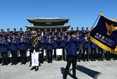 131017_Korean_Tourist_Police_thb2.jpg