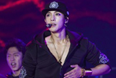 Kim Hyun Joong gets the Japanese crowd roaring with spe...