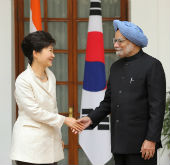 Korean, Indian leaders adopt joint statement
