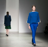 Korean designers shine in London Fashion Week