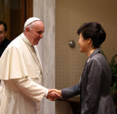 President Park meets Pope Francis