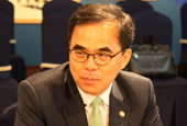 Korean_Vice_Minister_of_Culture_th_02.jpg